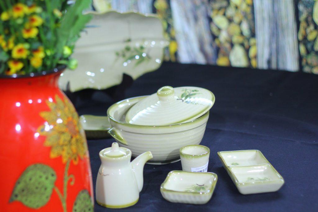 Bát đĩa Bát Tràng cao cấp giá tốt tại Hà Nội