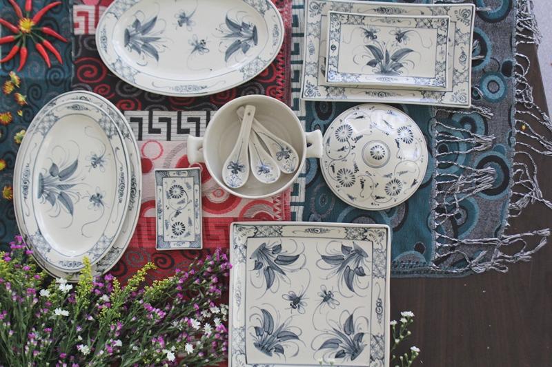 Bộ bát đĩa men rạn vẽ hoa xanh Bát Tràng