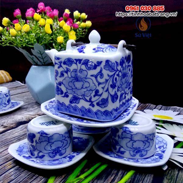 Ấm chén Bát Tràng men trắng vẽ hoa xanh dáng vuông