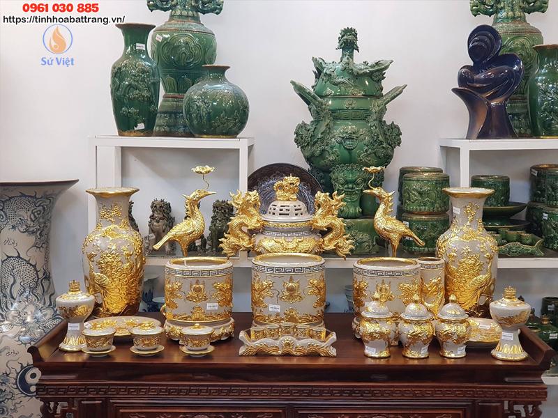 Bộ bàn thờ gia tiên men rạn giát vàng 4k