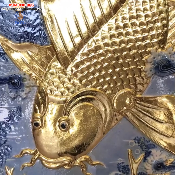 Hình ảnh chú cá chép trong bức Lý Ngư Vọng Nguyệt đẹp và tinh xảo