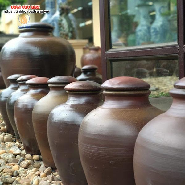 Đa dạng kiểu dáng chum, vại trang trí tại Xưởng Gốm Sứ Việt
