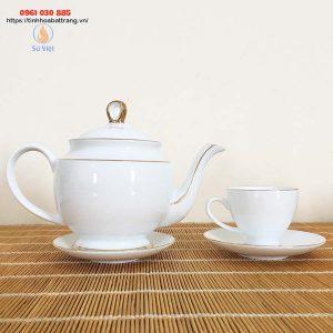 Bộ ấm trà kẻ vàng